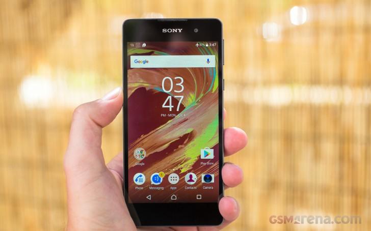 بررسی تخصصی گوشی Sony Xperia E5 review